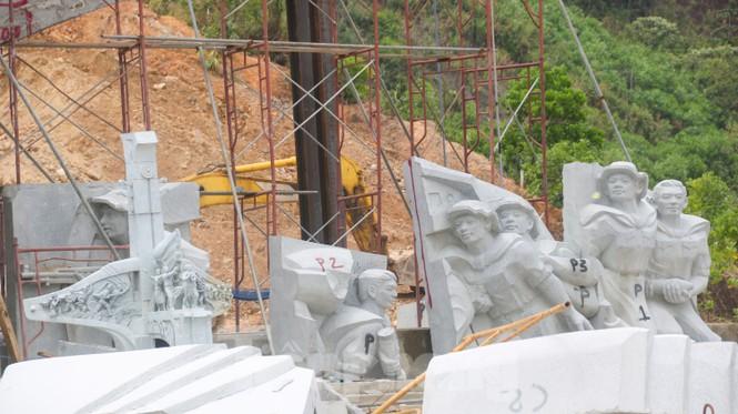 Huyện nghèo ở Quảng Nam xây tượng đài chục tỉ đồng - Ảnh 6.
