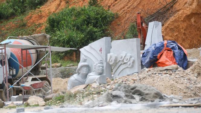 Huyện nghèo ở Quảng Nam xây tượng đài chục tỉ đồng - Ảnh 5.