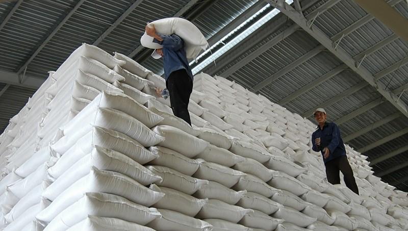 Nhiều Cục dự trữ Nhà nước cho doanh nghiệp gửi gạo không hợp đồng - Ảnh 1.