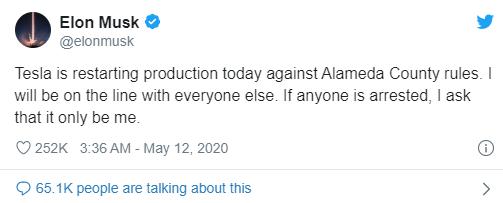 Thách chính quyền bắt giữ, Elon Musk cho mở cửa hai nhà máy của Tesla - Ảnh 1.
