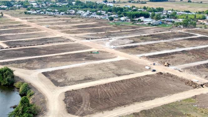 Cận cảnh khu đất ở Bà Rịa - Vũng Tàu đang bị kiểm tra vì bán đất nền kiểu Alibaba - Ảnh 33.