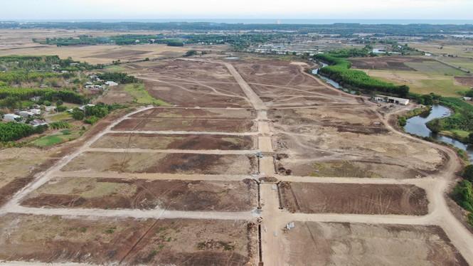 Cận cảnh khu đất ở Bà Rịa - Vũng Tàu đang bị kiểm tra vì bán đất nền kiểu Alibaba - Ảnh 11.