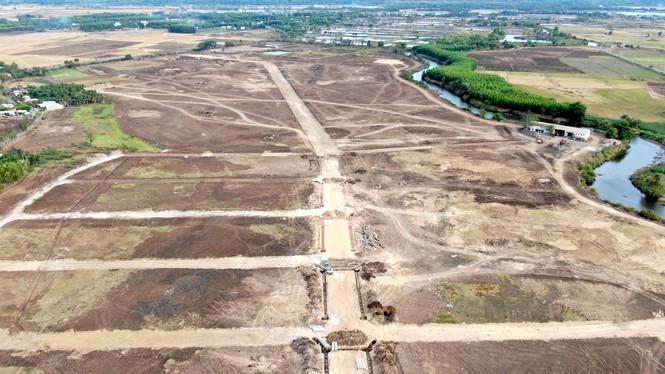 Cận cảnh khu đất ở Bà Rịa - Vũng Tàu đang bị kiểm tra vì bán đất nền kiểu Alibaba - Ảnh 12.