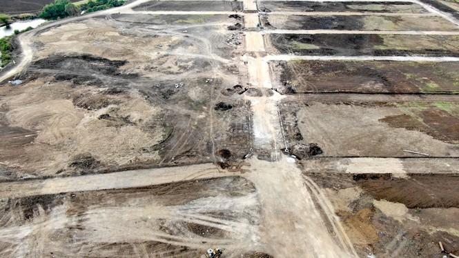 Cận cảnh khu đất ở Bà Rịa - Vũng Tàu đang bị kiểm tra vì bán đất nền kiểu Alibaba - Ảnh 35.