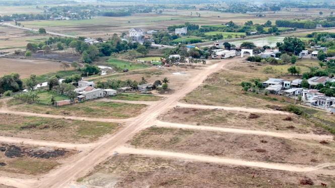 Cận cảnh khu đất ở Bà Rịa - Vũng Tàu đang bị kiểm tra vì bán đất nền kiểu Alibaba - Ảnh 4.