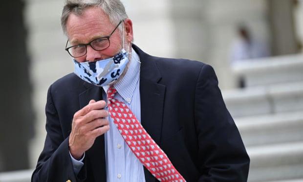 Chủ tịch Ủy ban Tình báo Thượng viện từ chức trong quá trình bị điều tra giao dịch nội gián  - Ảnh 1.