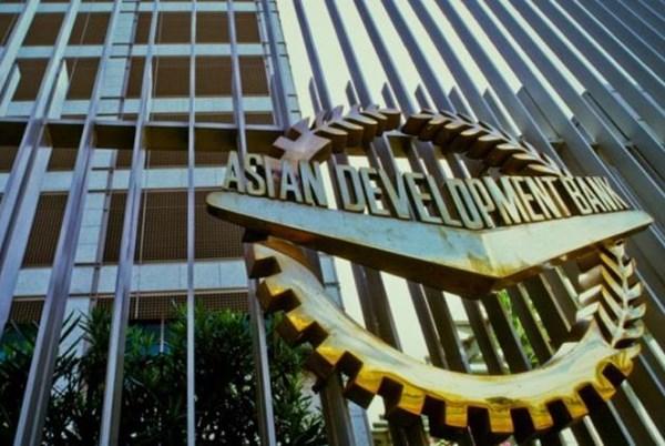 Ngân hàng ADB: Dịch COVID-19 có thể khiến kinh tế toàn cầu sụt giảm 9,7% - Ảnh 1.
