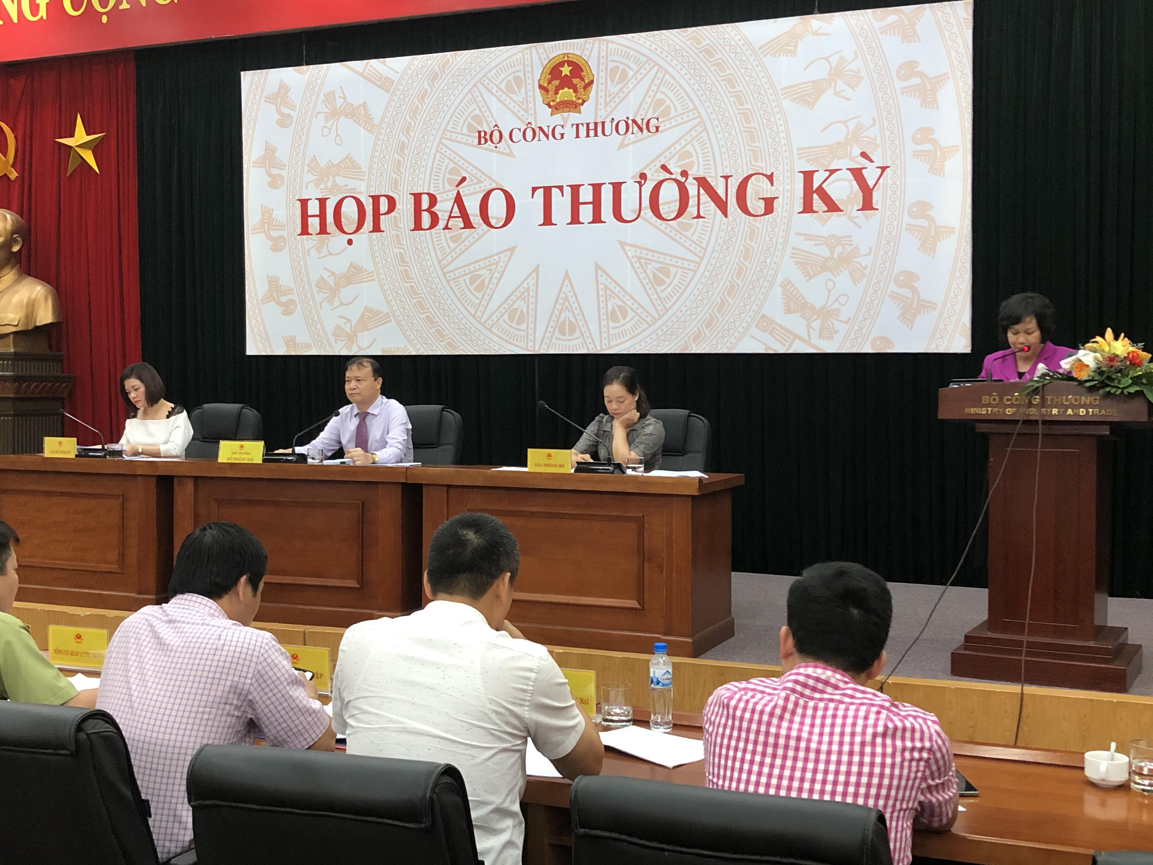 Thứ trưởng Bộ Công Thương: Nếu ngưng nhập khẩu xăng dầu, Việt Nam sẽ vi phạm cam kết FTA - Ảnh 1.