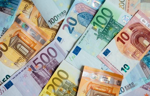 Tỷ giá đồng Euro hôm nay 15/5: Giá Euro ngân hàng tiếp tục sụt giảm - Ảnh 1.
