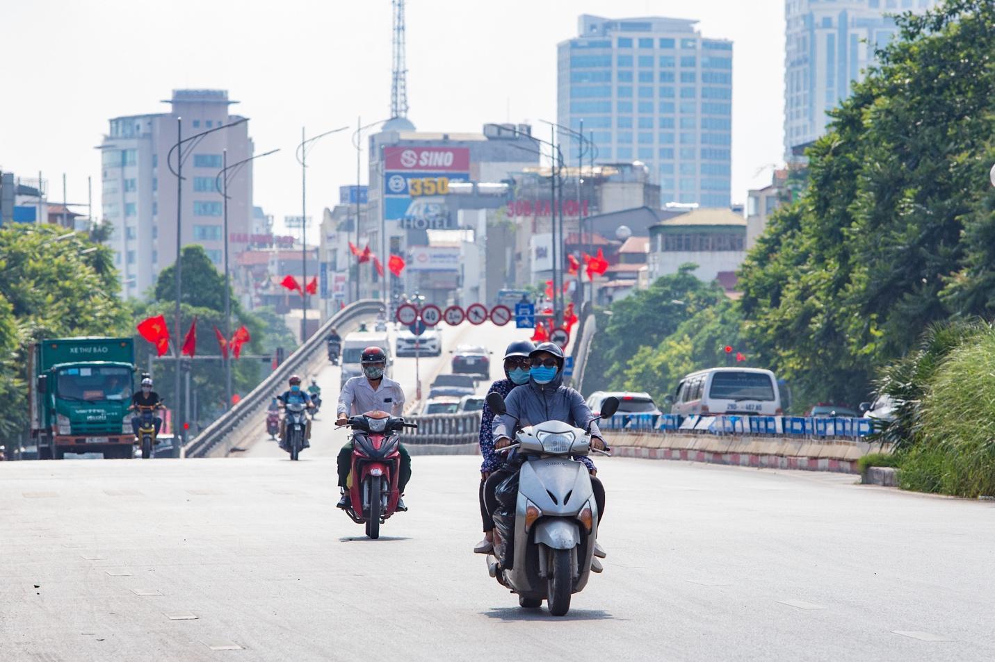 Cận cảnh 5 tuyến đường được mệnh danh đắt nhất hành tinh ở Hà Nội - Ảnh 4.