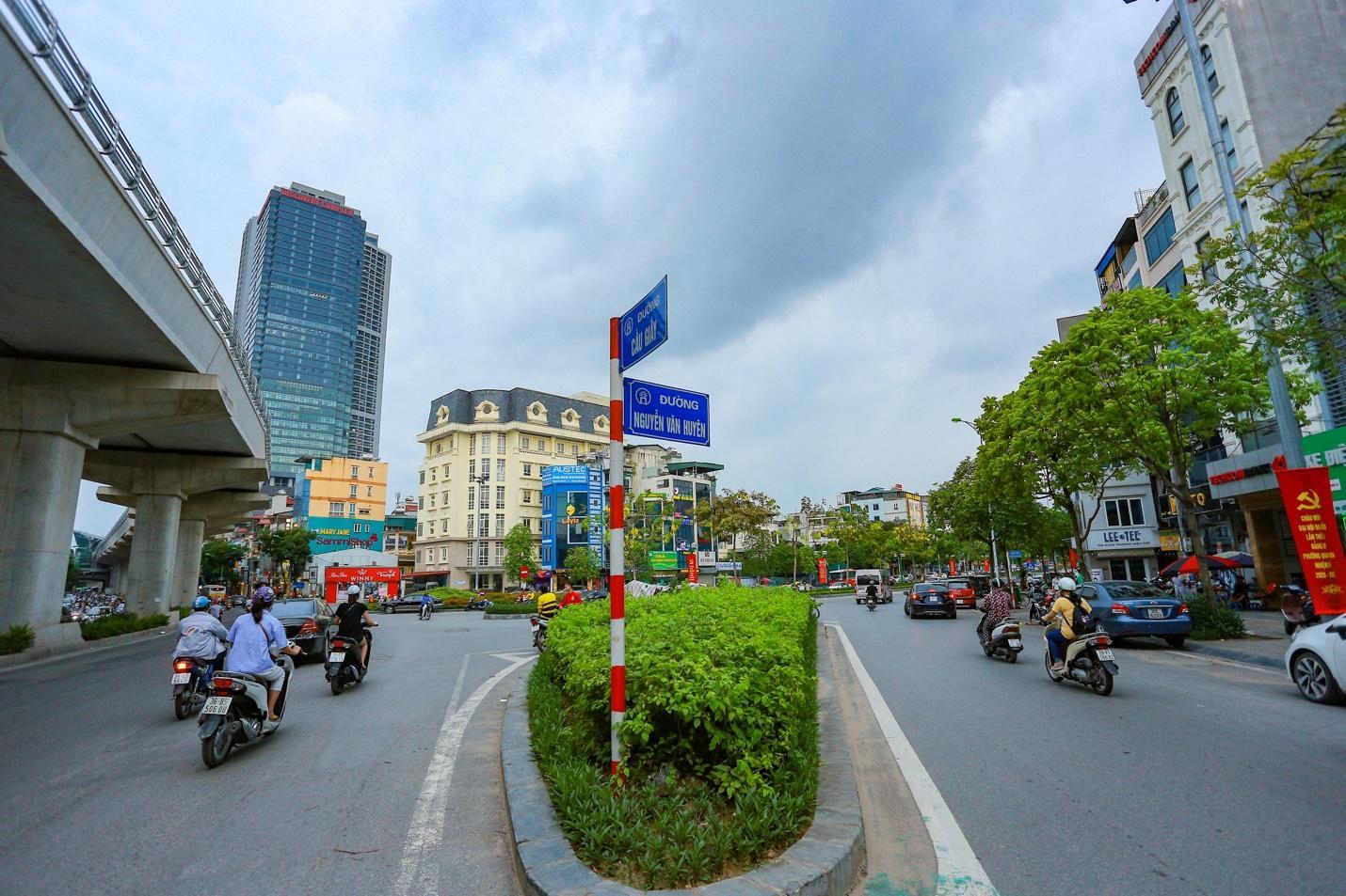 Cận cảnh 5 tuyến đường được mệnh danh đắt nhất hành tinh ở Hà Nội - Ảnh 6.