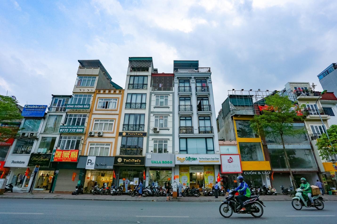 Cận cảnh 5 tuyến đường được mệnh danh đắt nhất hành tinh ở Hà Nội - Ảnh 9.