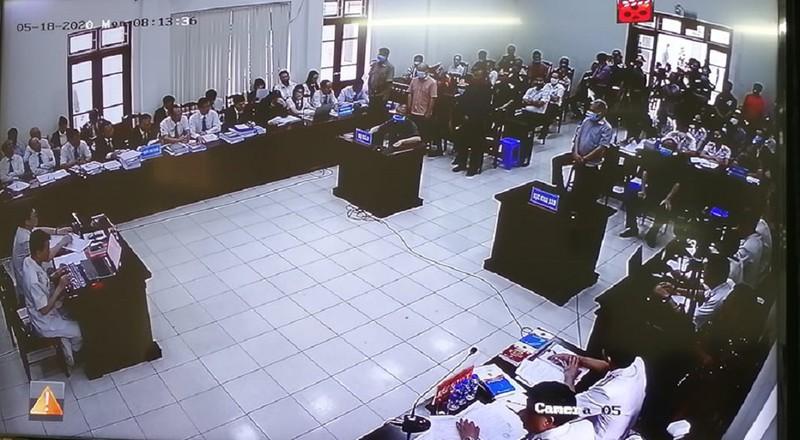 Điều đặc biệt trong phiên xử cựu thứ trưởng Nguyễn Văn Hiến - Ảnh 1.