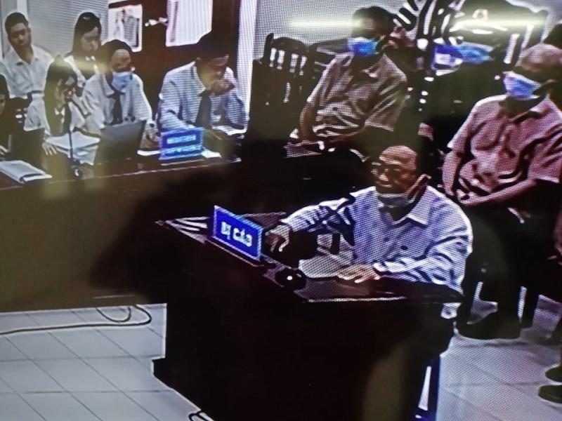 Điều đặc biệt trong phiên xử cựu thứ trưởng Nguyễn Văn Hiến - Ảnh 2.