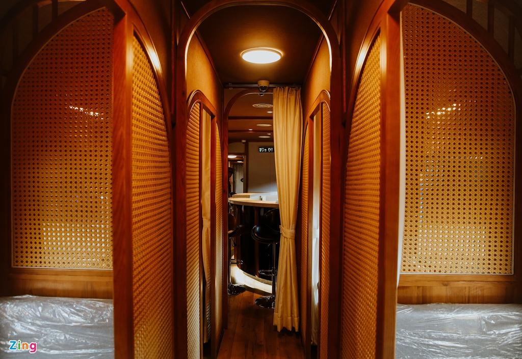 Toa tàu trang bị quầy bar, phòng massage cho khách khám phá Việt Nam - Ảnh 6.