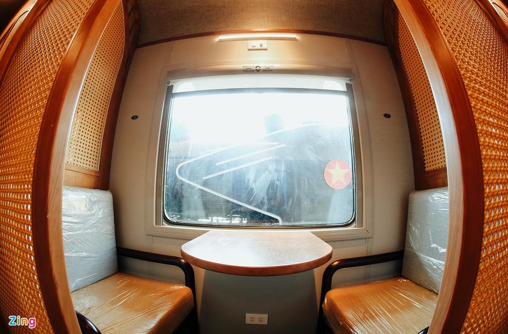 Toa tàu trang bị quầy bar, phòng massage cho khách khám phá Việt Nam - Ảnh 7.