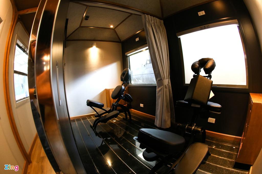 Toa tàu trang bị quầy bar, phòng massage cho khách khám phá Việt Nam - Ảnh 8.