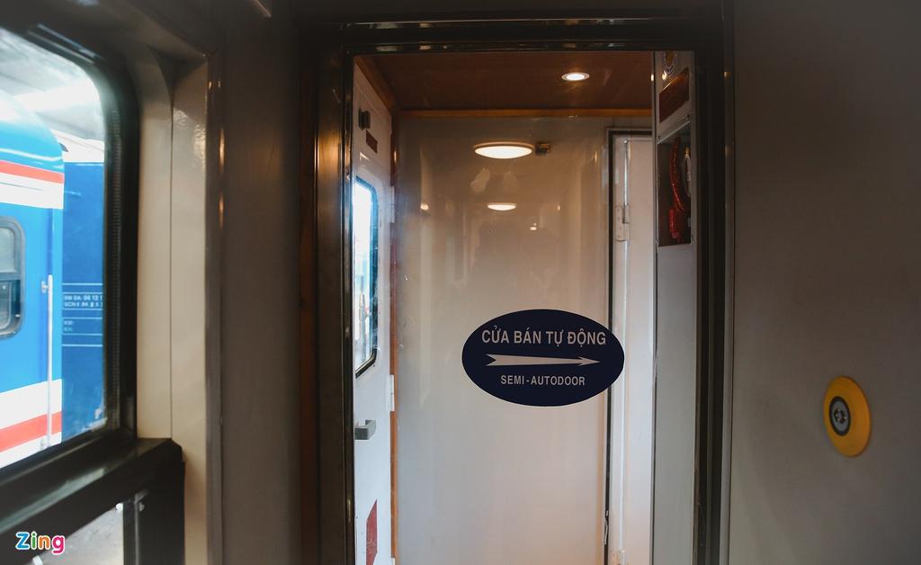 Toa tàu trang bị quầy bar, phòng massage cho khách khám phá Việt Nam - Ảnh 10.