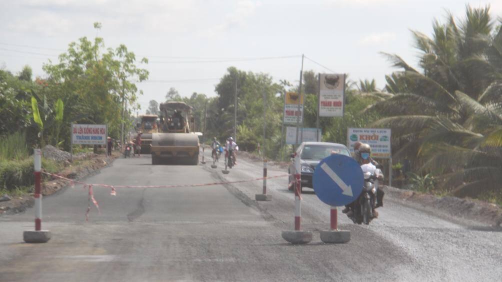 Các công trình giao thông rầm rộ thi công trở lại sau thời gian giãn cách - Ảnh 7.
