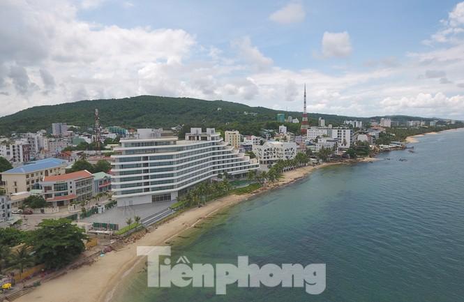 Khách sạn, nhà ở đua nhau xây dựng không phép ở Phú Quốc  - Ảnh 2.