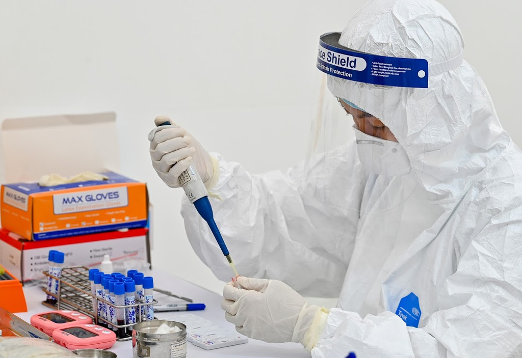 Bệnh nhân dương tính lại có phải tái nhiễm SARS-CoV-2? - Ảnh 3.