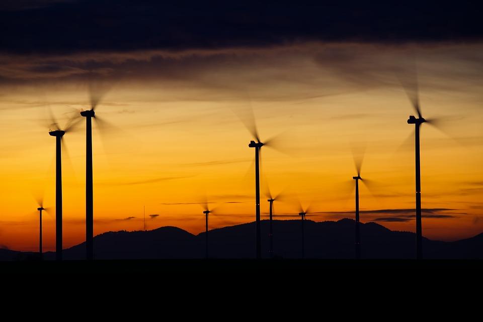 Bản tin thị trường năng lượng ngày 20/5: Giá dầu tiếp tục tăng - Ảnh 1.