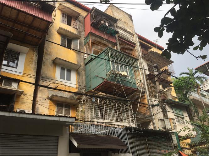 Đầu tư chung cư cũ tại Hà Nội: Liệu có rủi ro? - Ảnh 1.