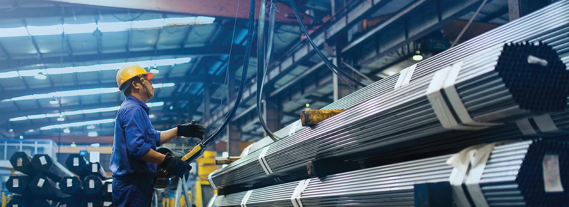 Hòa Phát tiêu thụ 63.000 tấn ống thép, giảm 28% so với tháng trước - Ảnh 1.