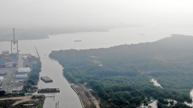 Con đường ven sông trị giá 'tỉ đô' ở Sài Gòn nhìn từ trên cao - Ảnh 9.