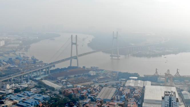 Con đường ven sông trị giá 'tỉ đô' ở Sài Gòn nhìn từ trên cao - Ảnh 1.