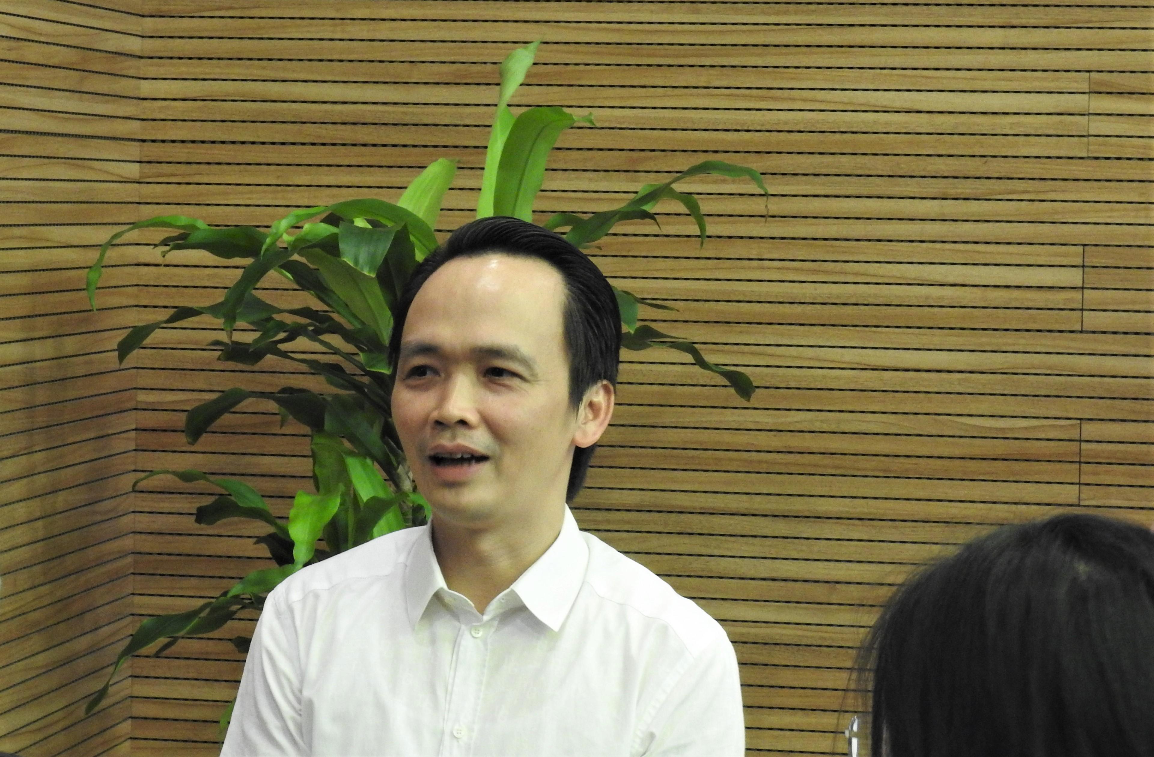 https://cdn.vietnambiz.vn/171464876016439296/2020/5/22/quyet-self-flc-ss-16-5-45-15901463838231798438130.jpg