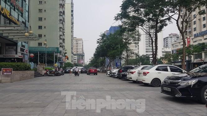 Cận cảnh khu đất công làm bãi xe 'biến hình' thành cao ốc ở Hà Nội - Ảnh 11.
