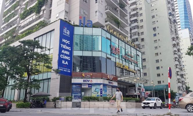 Cận cảnh khu đất công làm bãi xe 'biến hình' thành cao ốc ở Hà Nội - Ảnh 6.