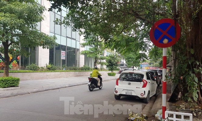 Cận cảnh khu đất công làm bãi xe 'biến hình' thành cao ốc ở Hà Nội - Ảnh 19.