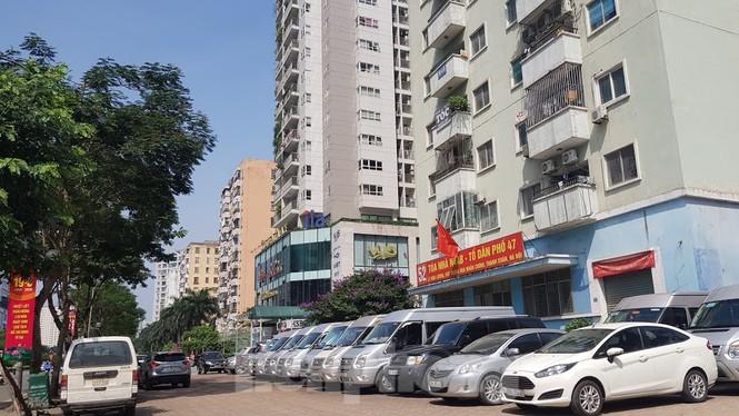 Cận cảnh khu đất công làm bãi xe 'biến hình' thành cao ốc ở Hà Nội - Ảnh 12.