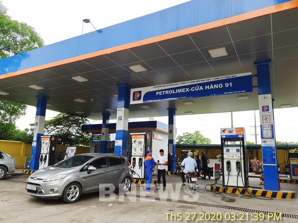 Petrolimex và PVOIL đảm bảo cung ứng đủ xăng dầu phục vụ khách hàng - Ảnh 1.
