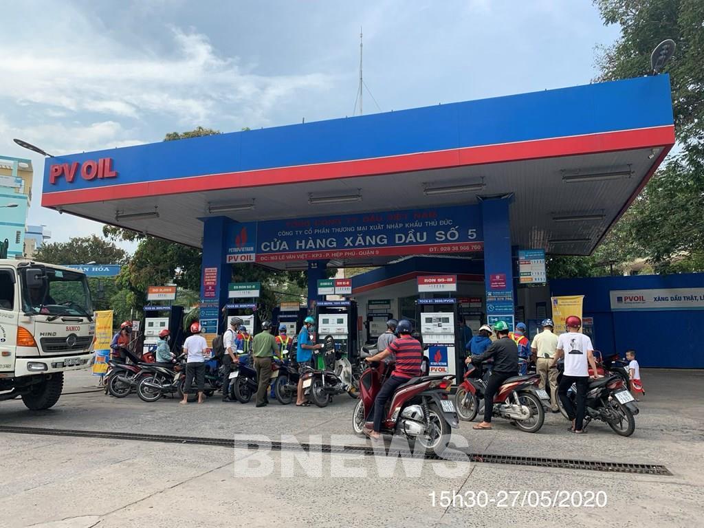 Petrolimex và PVOIL đảm bảo cung ứng đủ xăng dầu phục vụ khách hàng - Ảnh 3.