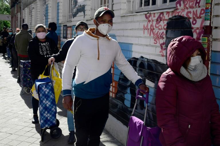 Cập nhật tình hình dịch virus corona ngày 28/5: Mỹ vượt mốc 100.000 ca tử vong, Việt Nam còn 49 ca đang điều trị - Ảnh 1.