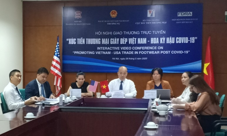 Hậu COVID-19, Việt Nam sẽ trở thành nơi tăng nguồn cung ứng giày dép cho Mỹ - Ảnh 1.