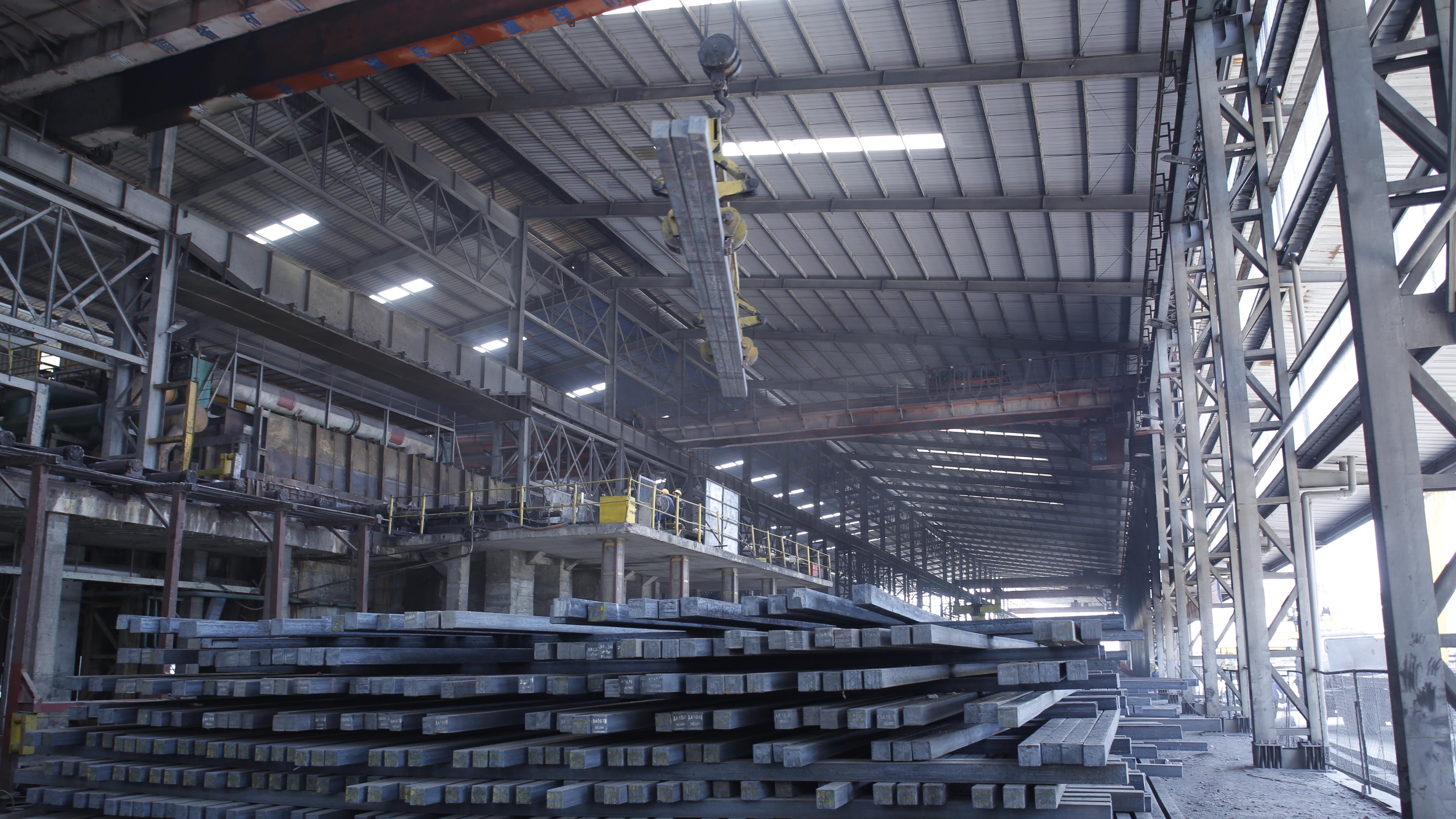 Hòa Phát sắp xuất khẩu hơn 1.000 tỉ đồng phôi thép sang Trung Quốc - Ảnh 1.
