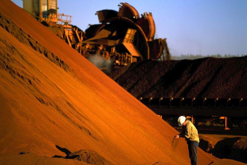 Giá thép xây dựng hôm nay (30/5): Giá quặng sắt tăng vọt 6,4%, đánh dấu tuần tăng thứ 5 liên tiếp - Ảnh 1.
