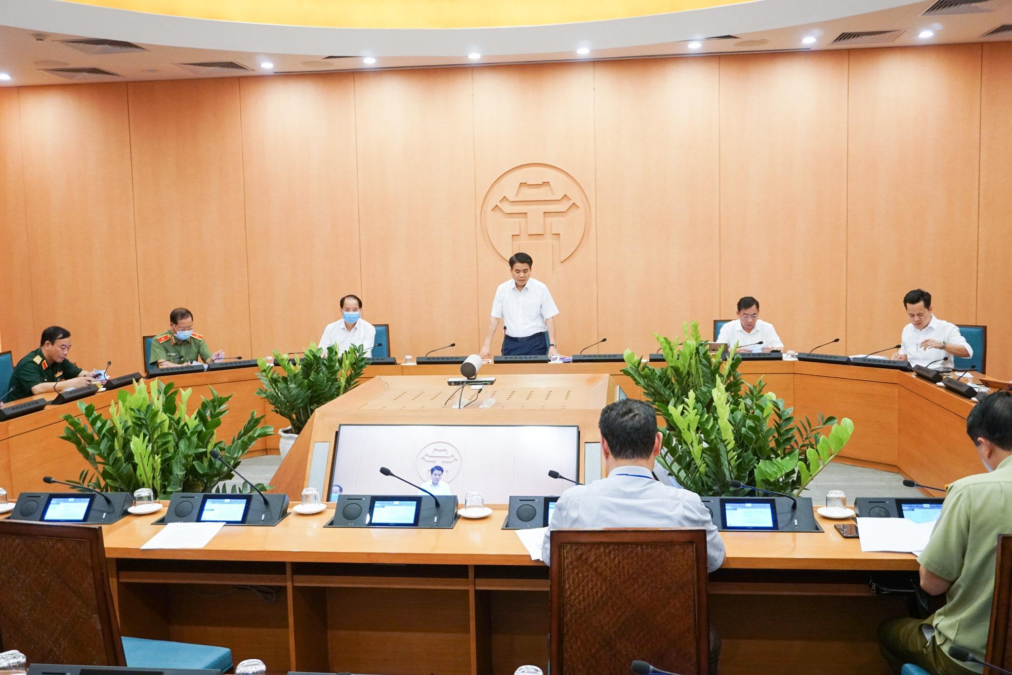 Chủ tịch Hà Nội cảnh báo khả năng xuất hiện đỉnh dịch thứ hai, dỡ lệnh phong tỏa Hạ Lôi vào 0h ngày 6/5 - Ảnh 1.