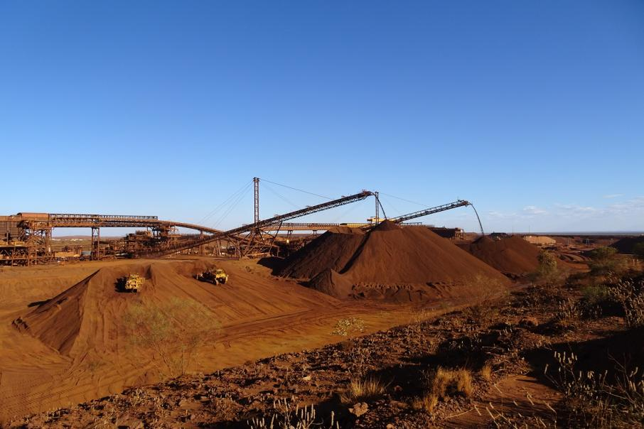 Giá thép xây dựng hôm nay (15/5): Giá quặng sắt hàm lượng 65% tăng mạnh khi nhu cầu phục hồi - Ảnh 1.
