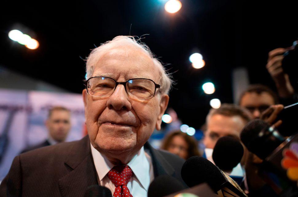 Hé lộ ứng cử viên tiềm năng kế nhiệm Warren Buffett - Ảnh 1.