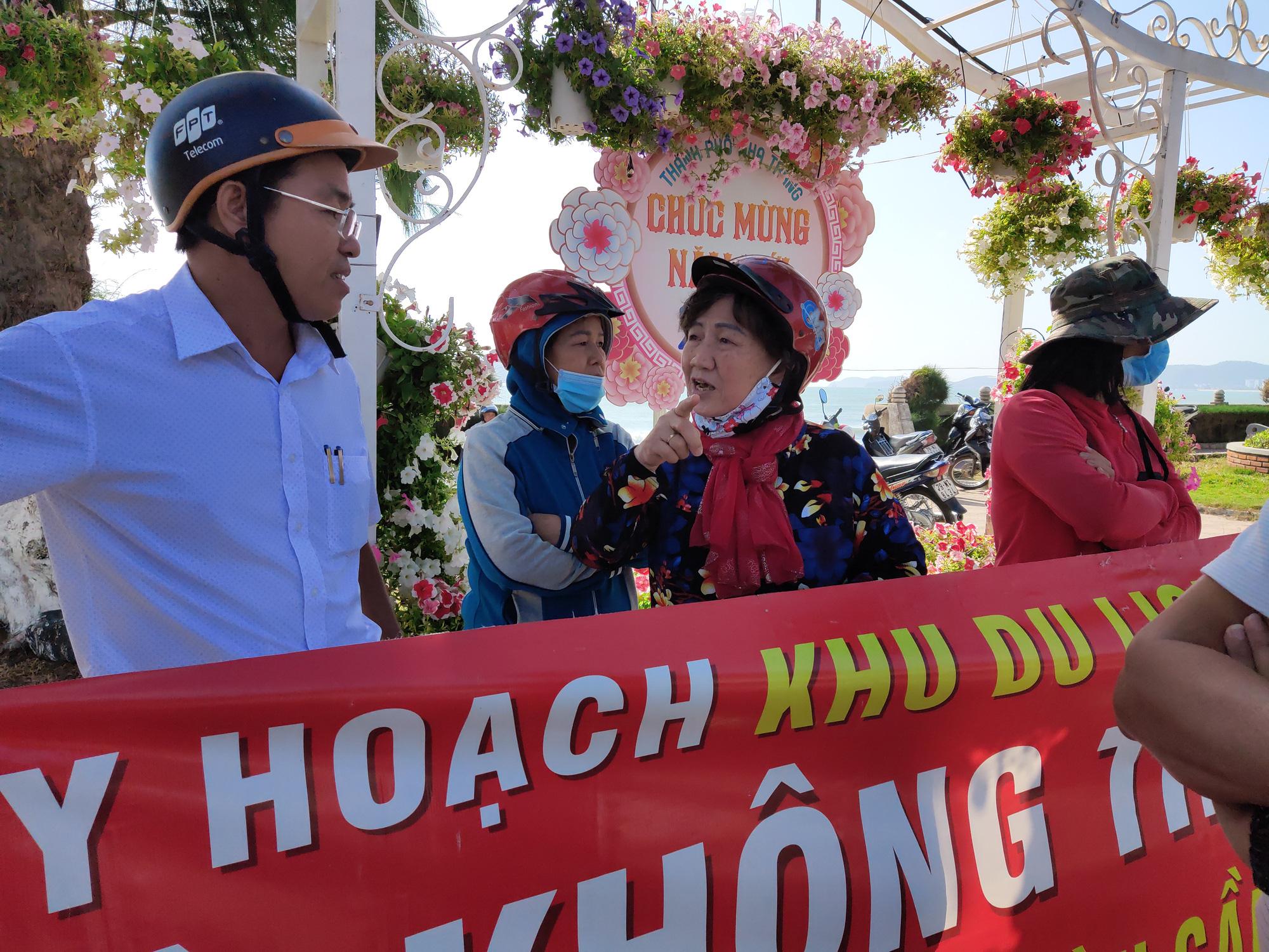 Chủ tịch Khánh Hòa chỉ đạo kiểm tra, rà soát để xử lí vụ người dân bị thu hồi đất tại dự án Diamond Bay - Ảnh 4.