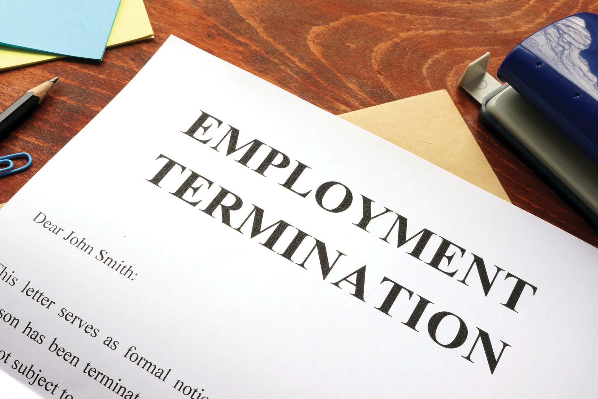 Chấm dứt hợp đồng lao động (Termination of Employment) là gì? Chấm dứt việc làm tự nguyện và không tự nguyện - Ảnh 1.