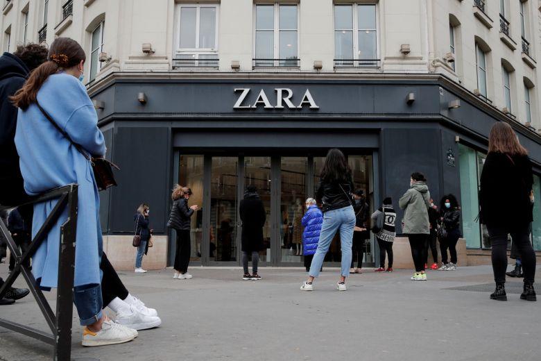 Kết quả hình ảnh cho zara đóng cửa 1200 cửa hàng