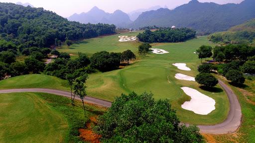 Thủ tướng Chính phủ phê duyệt chủ trương đầu tư 3 dự án sân golf ở Bắc Giang và Hòa Bình - Ảnh 1.