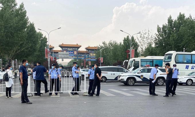 Cập nhật tình hình dịch virus corona ngày 16/6: Thế giới vượt 8 triệu ca nhiễm bệnh, Việt Nam chỉ còn 11 bệnh nhân đang được điều trị, thủ đô Bắc Kinh phong tỏa thêm nhiều khu phố  - Ảnh 3.