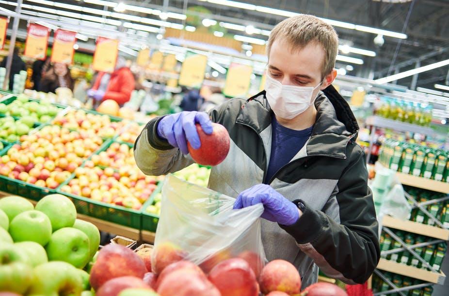 Mưu mẹo của các siêu thị để khách hàng lạc lối trong ma trận hàng hóa - Ảnh 1.